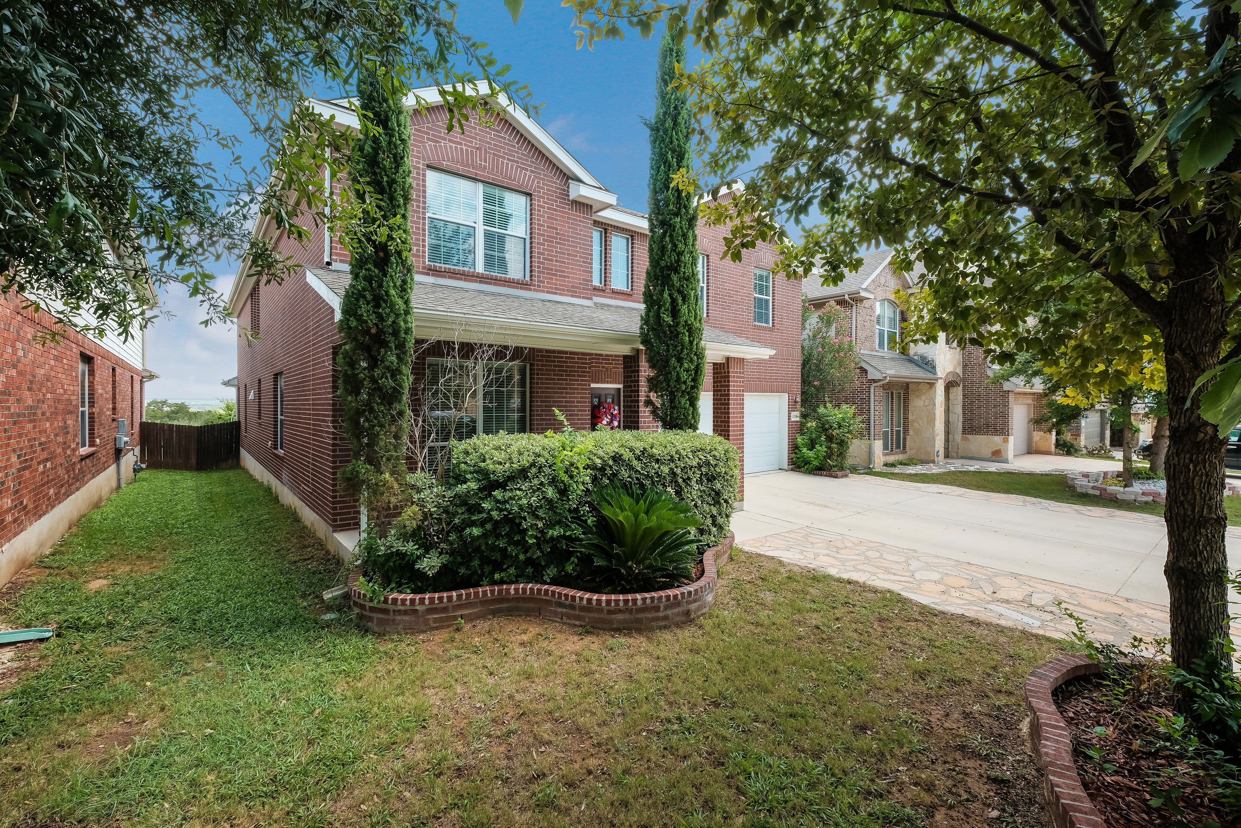 New Listing In Alamo Ranch Over  Bedrooms 4 Full