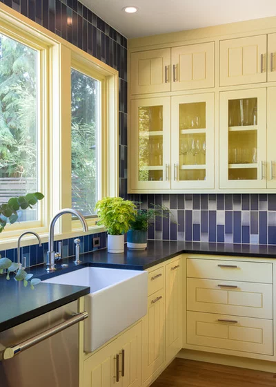 Cheerful Yellow And Blue Kitchen For Book Lovers Blue Kitchen Decor Pale Yellow Kitchens Blue Kitchens