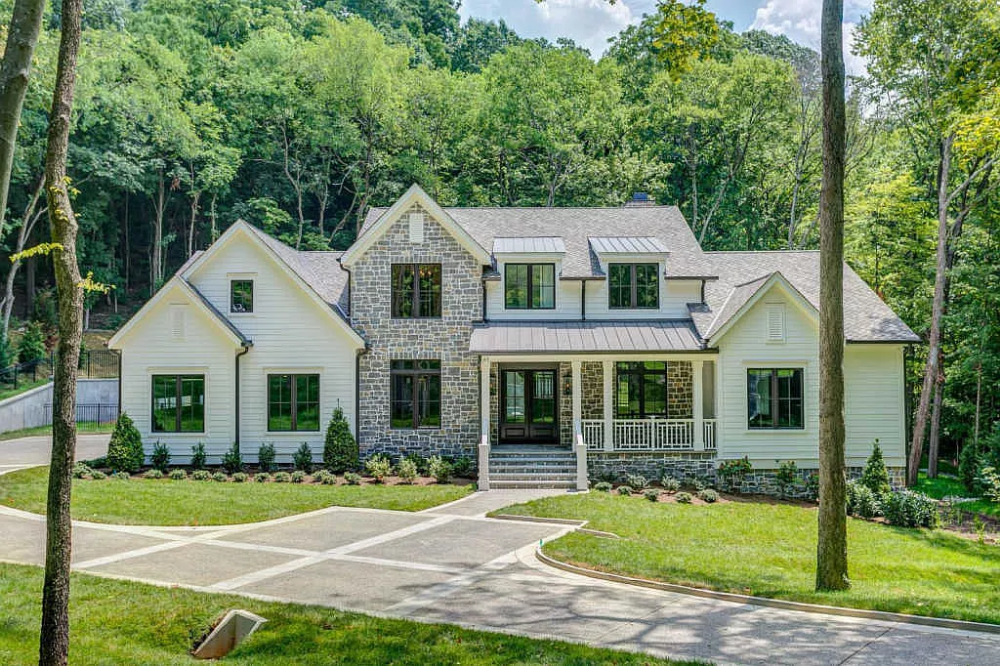2232 Chickering Ln Nashville Tn 37215 Mls 2061276 Zillow House And Home Magazine Farmhouse Style House House Designs Exterior