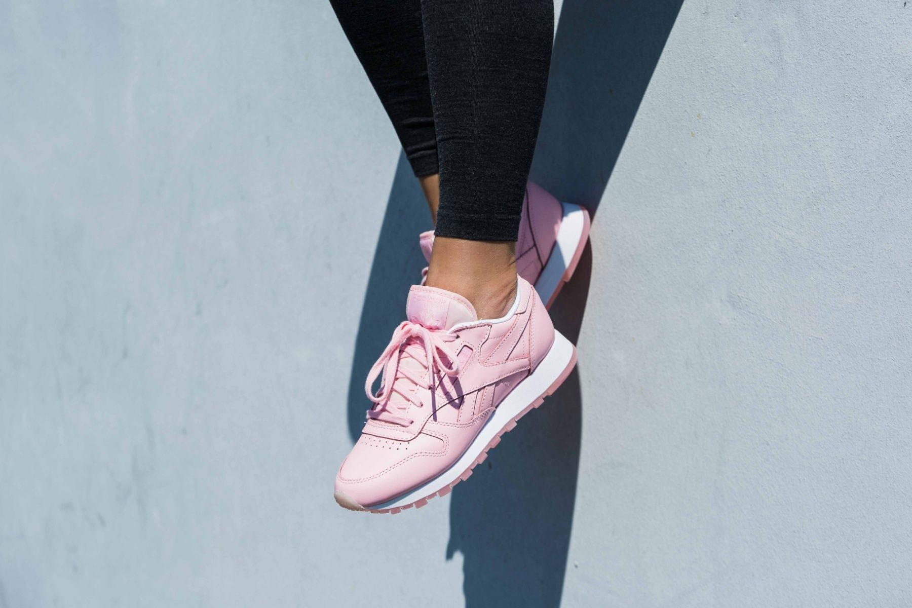 Reebok CL Leather X Face Stockholm BD1327 Womens Trainers in