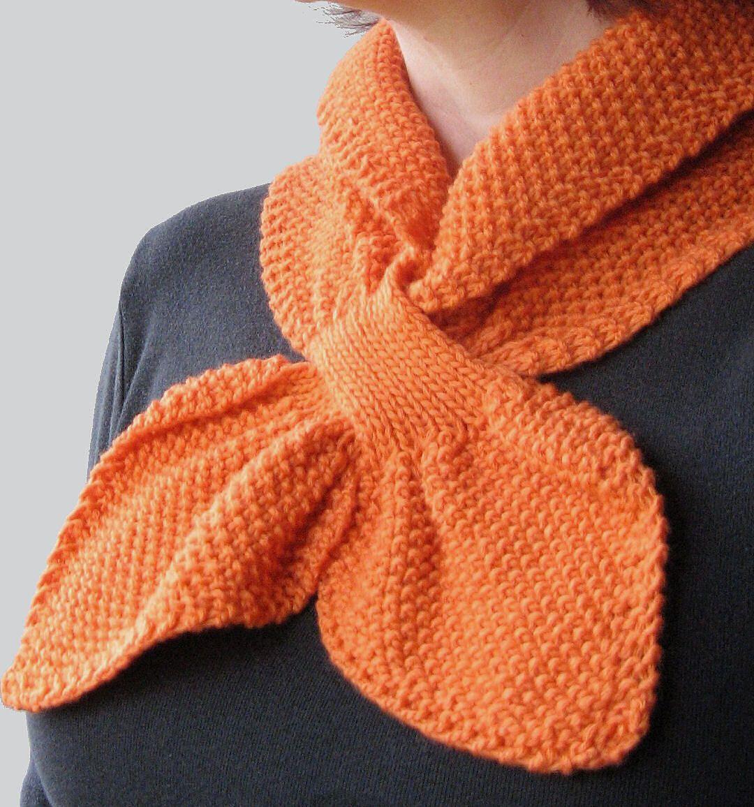 Moss Stitch Keyhole Scarflette pattern by Jo-Anne Klim