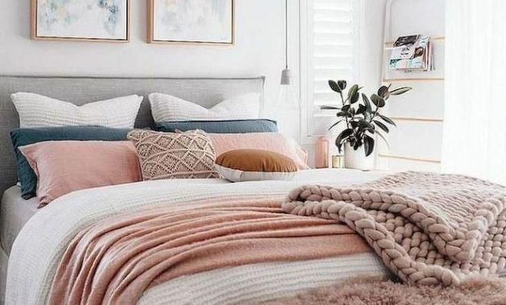 34 Easy Tips to Decorate Small Master Bedroom with Neutral Color #masterbedroom #graybedroomwithpopofcolor 34 Easy Tips to Decorate Small Master Bedroom with Neutral Color #masterbedroom #graybedroomwithpopofcolor