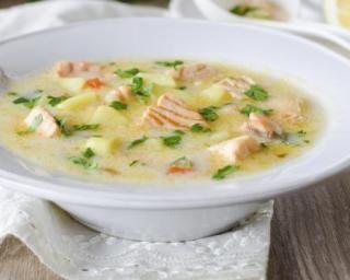 Soupe citronnée au saumon frais et aux légumes