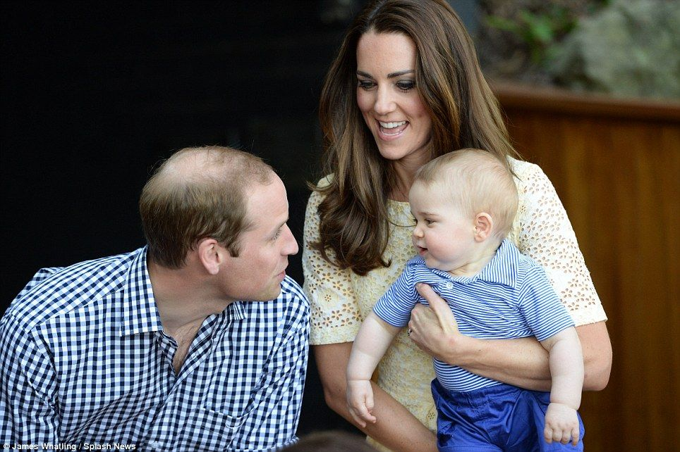 Prince George Meets A Bilby At Sydney S Taronga Zoo Prince George Prince William And Kate Duchess Of Cambridge