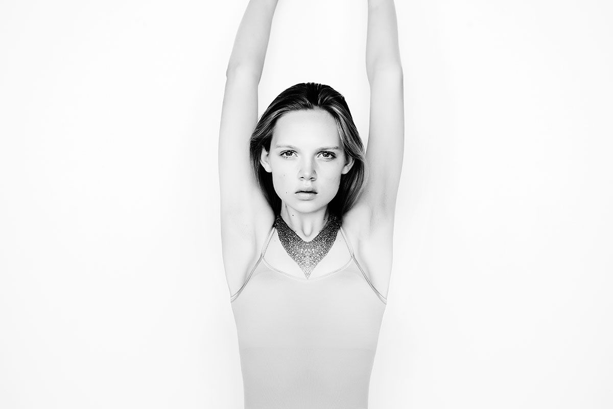 original sin: holly rose by justin ridler for oyster online | visual optimism; fashion editorials, shows, campaigns & more!