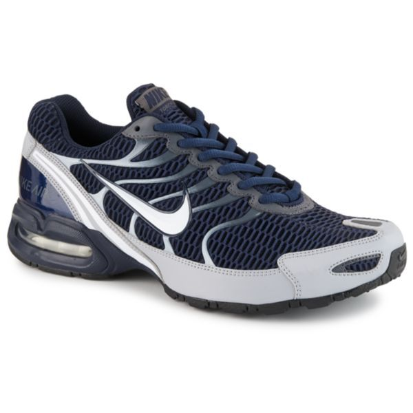 Set the pace to scorching in the Torch 4 men's running shoe by Nike