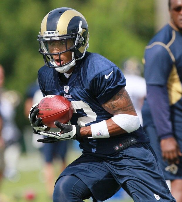 Full Squad Rams Training Camp Opens St Louis Rams Rams Football Training Camp