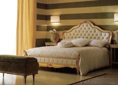 TOP 10 Luxusbetten für Schlafzimmer | Klassiche Schlafzimmer, aber Luxus Bett und luxus design in goldene und weisse Tonnen.  http://wohn-designtrend.de/top-10-luxusbetten-fuer-schlafzimmer/