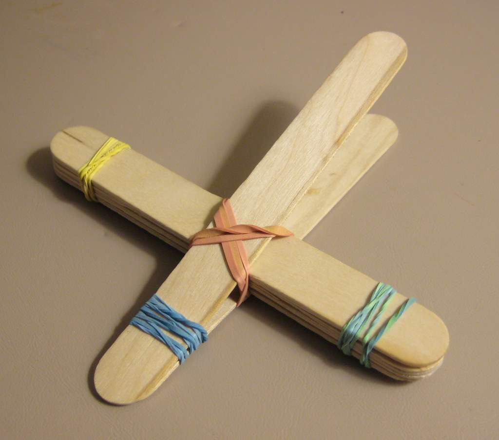 School crafts out of cans step 5 tie a rubber band in What to make out of popsicle sticks