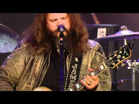 From Directv S Broadcast Of Farm Aid 25 Growing Hope For America Jamey Johnson Performs Set Em Up Joe At Miller Park In Milwaukee On Octo Jamey Johnson Country Music Videos Country Music