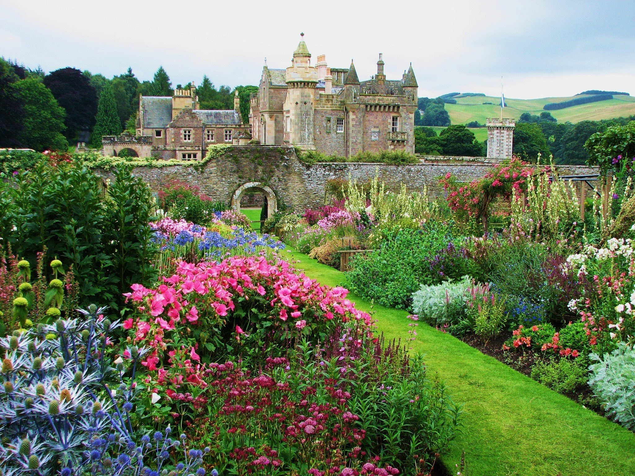 English rose garden wallpaper - A Great Writer S Garden Abbotsford The House And Garden Of Sir Walter Scott Famous