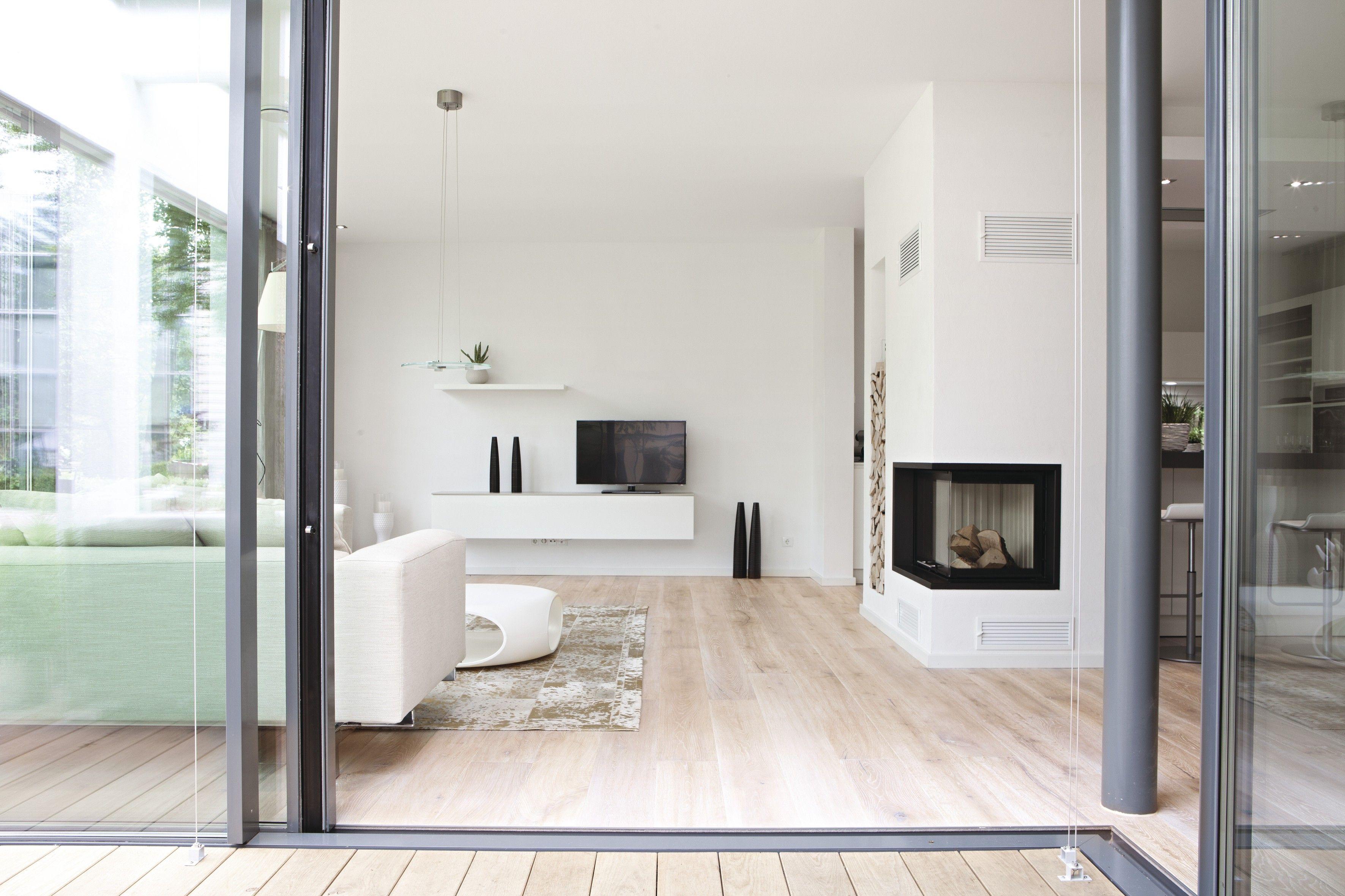 Wohnzimmer des modernen interieurs des hauses wohnzimmer mit kamin  bungalow  pinterest  living rooms bungalow