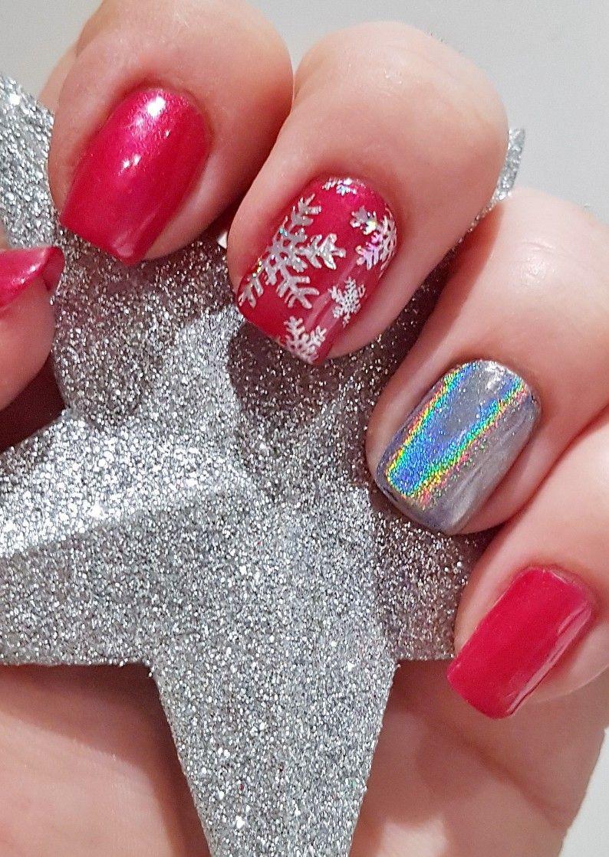 Christmas Nails Using Shellac Red Baroness And Lecente Rainbow Chrome Powder Moyra Foil Poli Christmas Shellac Nails Christmas Nail Art Designs Chistmas Nails