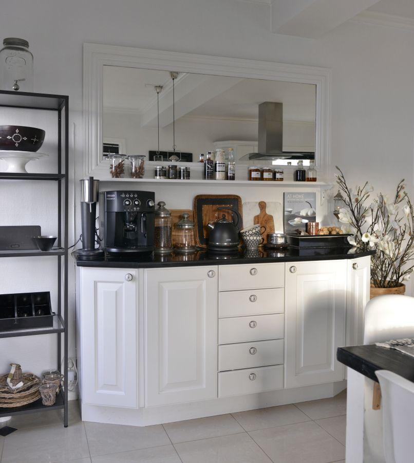 Franciskas Vakre Verden: Kan man male kjøkkenet? Klart man kan!