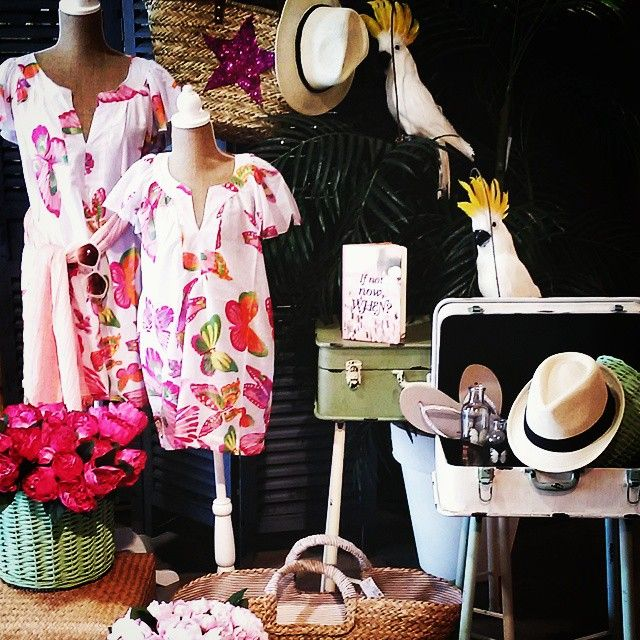 #MandarinaHome #Mandarina #pájaro #busto #vestido #playa #maletas #mueble #biombo #sombrero #playa #verano #verano2015 #libreta #summertime #flor #peonia  #fucsia #rosa #rose #mariposa #butterfly #chancla #sandalia #gafas #sol #estrella #decoración #regalo #complemento