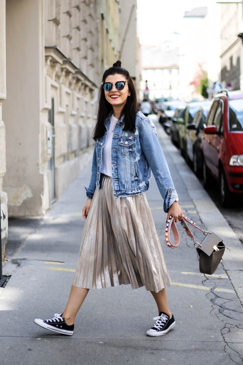 Photo of Metallic Pleated Skirt and Denim Jacket – Fashionnes