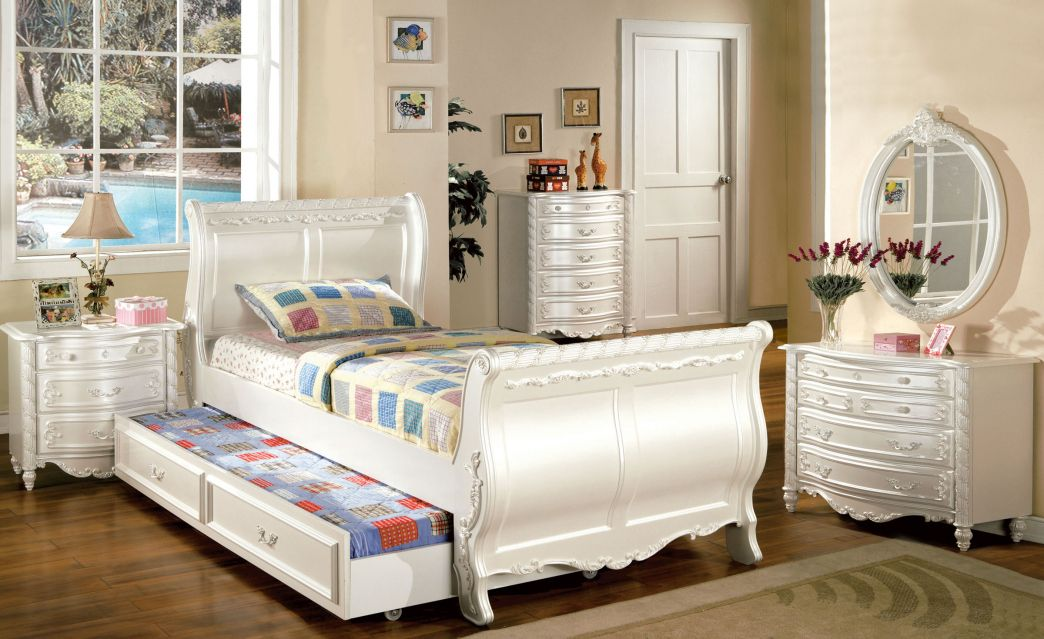White Twin Bedroom Furniture Set  Mens Bedroom Interior Design Alluring Twin Bedroom Sets Design Inspiration