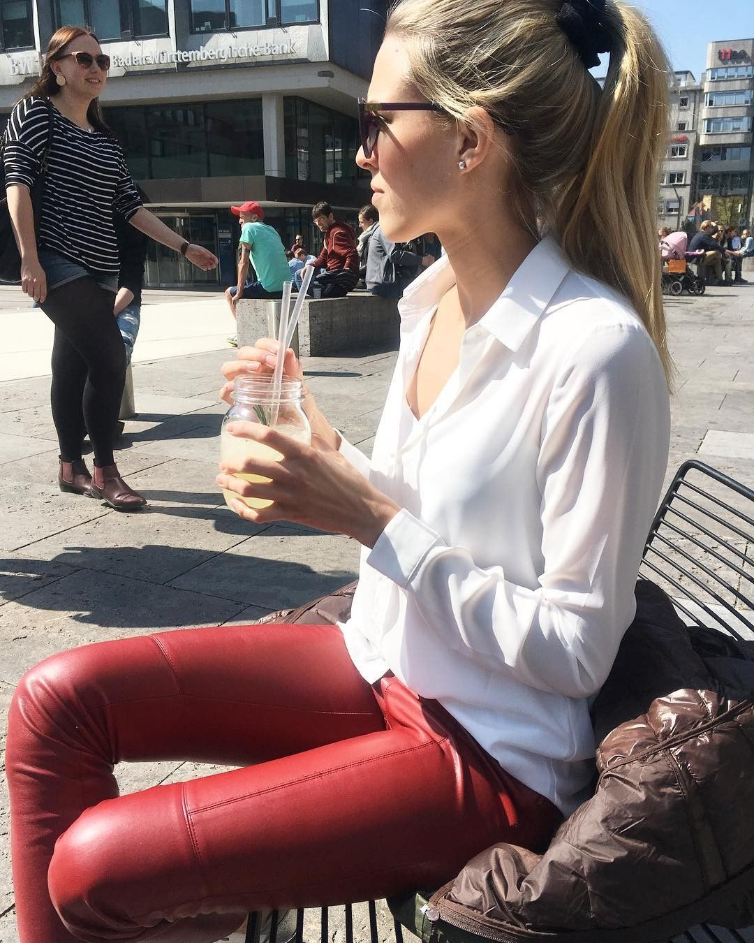 Red leather pants | Lederhosen outfit, Outfit, Rote lederhose