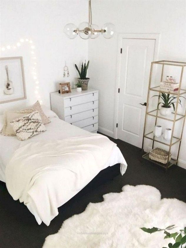 40 Luxury Dorm Room Decorating Ideas On A Budget Dormroom Decoratingideas Budget Bedroomdecoratingideas First Apartment Decorating Minimalist Bedroom Decor