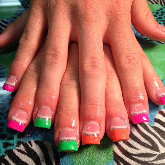 Acrylic Nail Game: Acrylic Neon Nails :) Glitter White Stripes