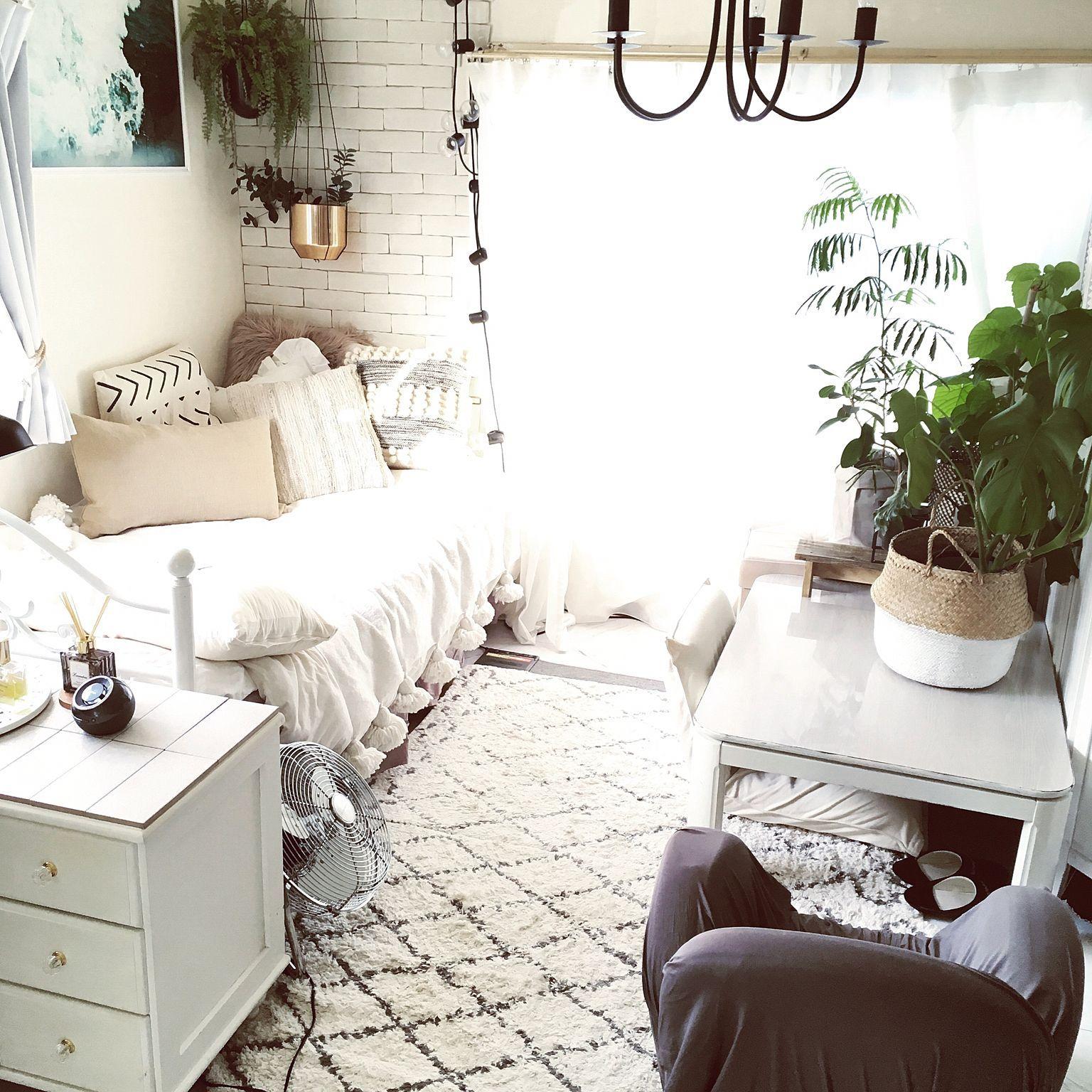 Photo of ベッド周り/ベッドカバー/無垢材の床/パイン無垢材/ブルーの壁紙…などのインテリア実例 – 2017-12-22 22:51:19 | RoomClip(ルームクリップ)