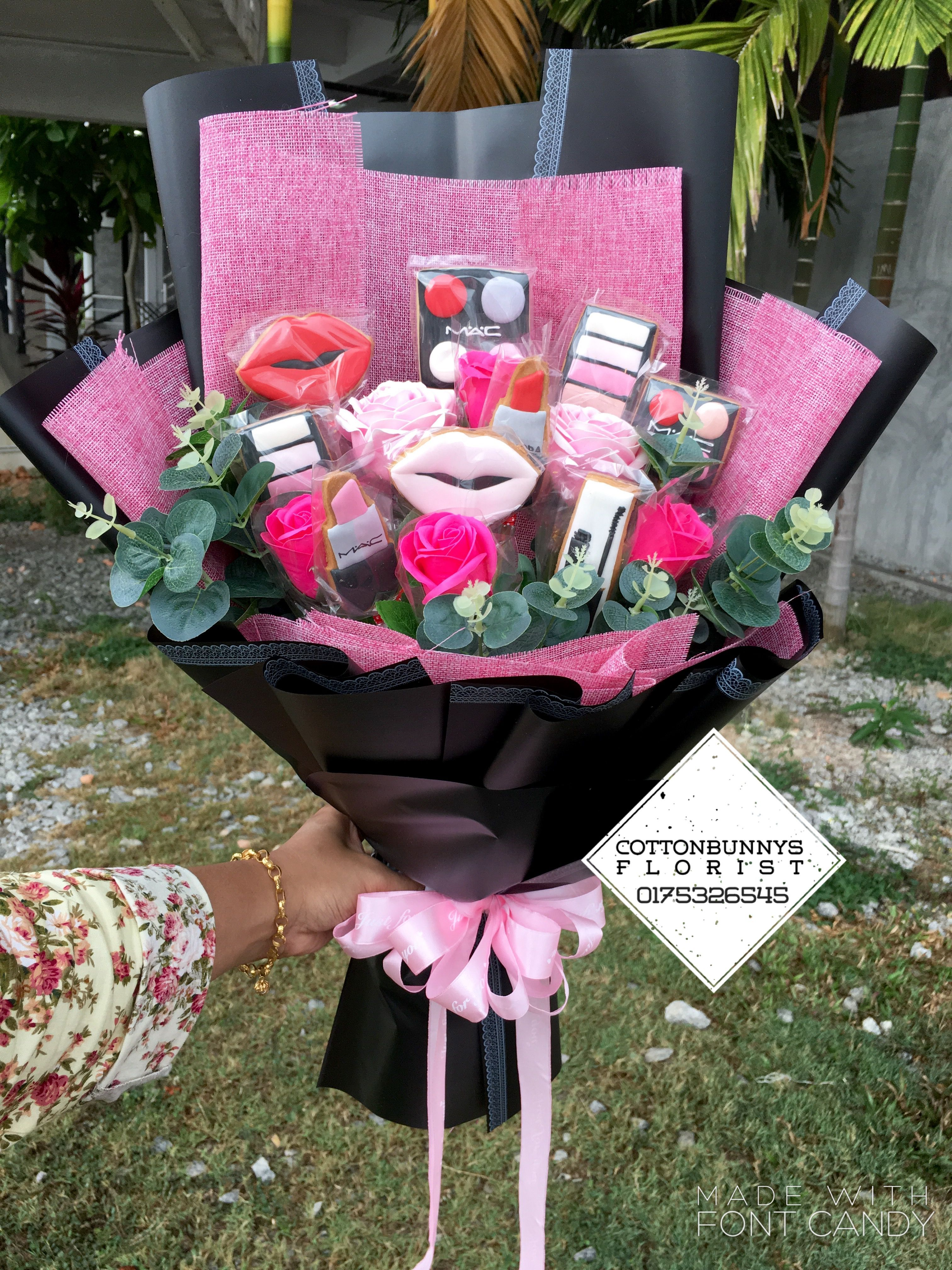 Beauty Flower Bouquet Gift Ideas Makeup Cookies Girls Girlfriend In 2020 Flowers Bouquet Gift Makeup Bouquet Gift Gift Bouquet