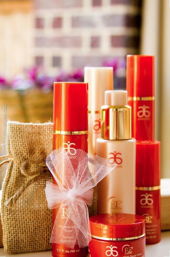 Idée #CadeauArbonne La gamme de produits RE9 Advanced a été conçue pour répondre aux 9 besoins de la peau grâce à 9 ingrédients scientifiques avancés et à des ingrédients botaniques clés. Le résultat : un éventail de produits éprouvés en clinique pour procurer des effets visibles en 24 heures qui ciblent les signes de vieillissement de la peau tout en améliorant la santé de la peau. #Arbonne #RE9 #Love #Vegan