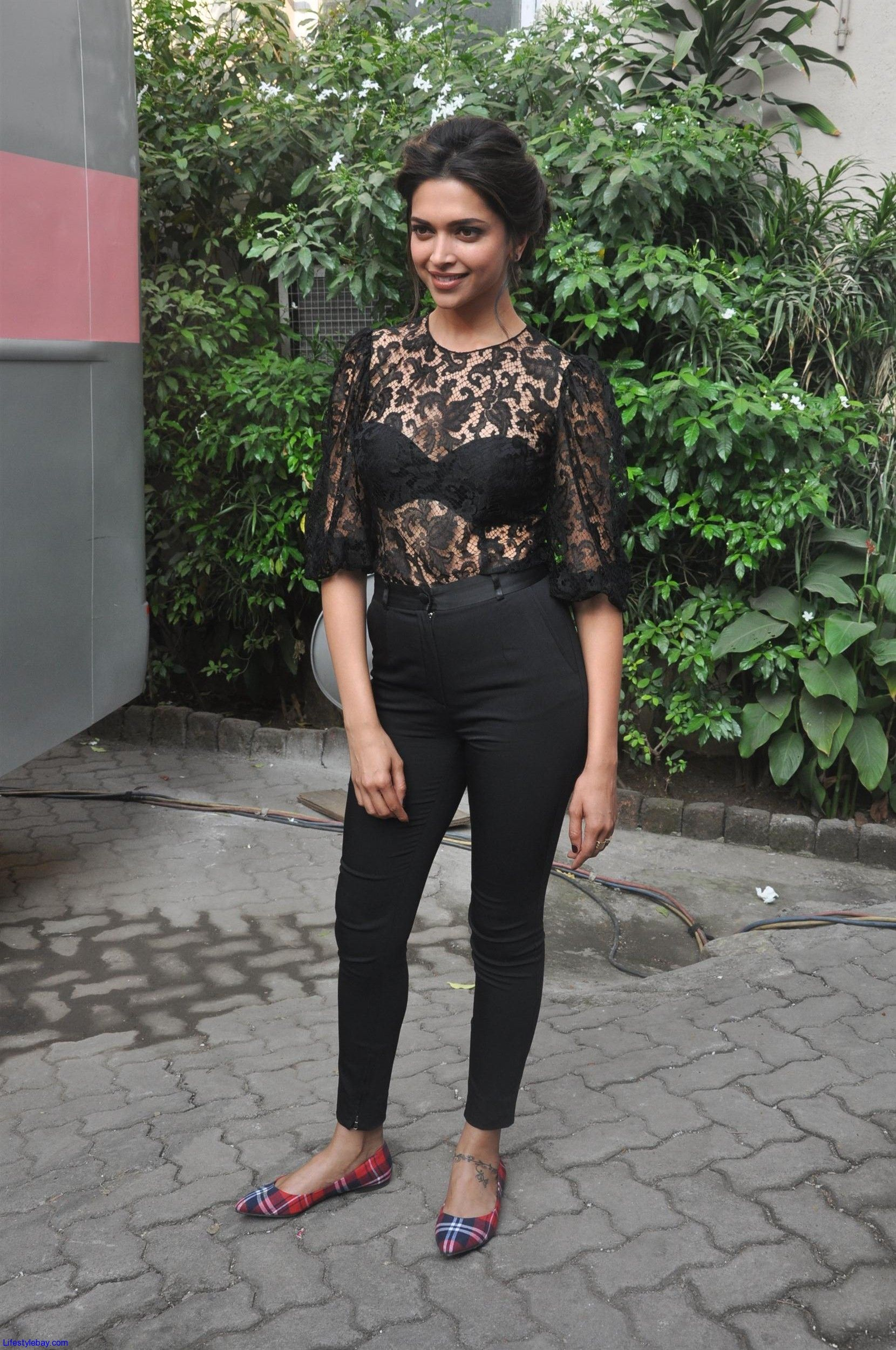 Deepika Padukone promoting Ram Leela | Deepika padukone ...