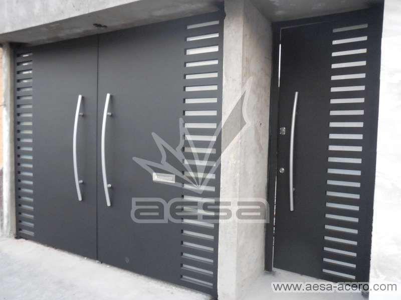 Porton Moderno Con Puerta Independiente Mod Pre116 Visitanos En Http Www Aesa Ace Portones Modernos Para Casas Portones Modernos Puertas De Garage Modernas