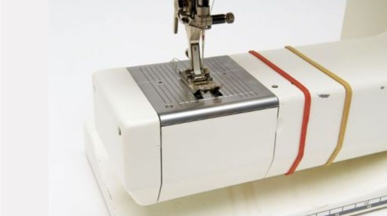 Great Idea To Use Rubber Bands To Set Seam Allowance SEWING TRICS Mesmerizing How Did The Sewing Machine Make Life Easier