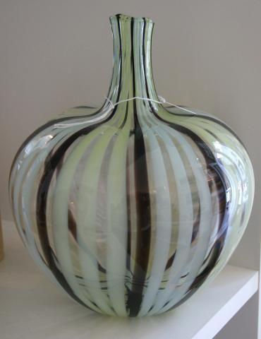 Small Pod Vase