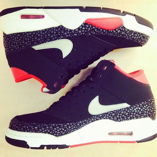 free shipping 39400 2aa93 Sneaker saturday  Nike kicks day! Air Flight classic gobritain Schoenen  Sneakers, Hakken