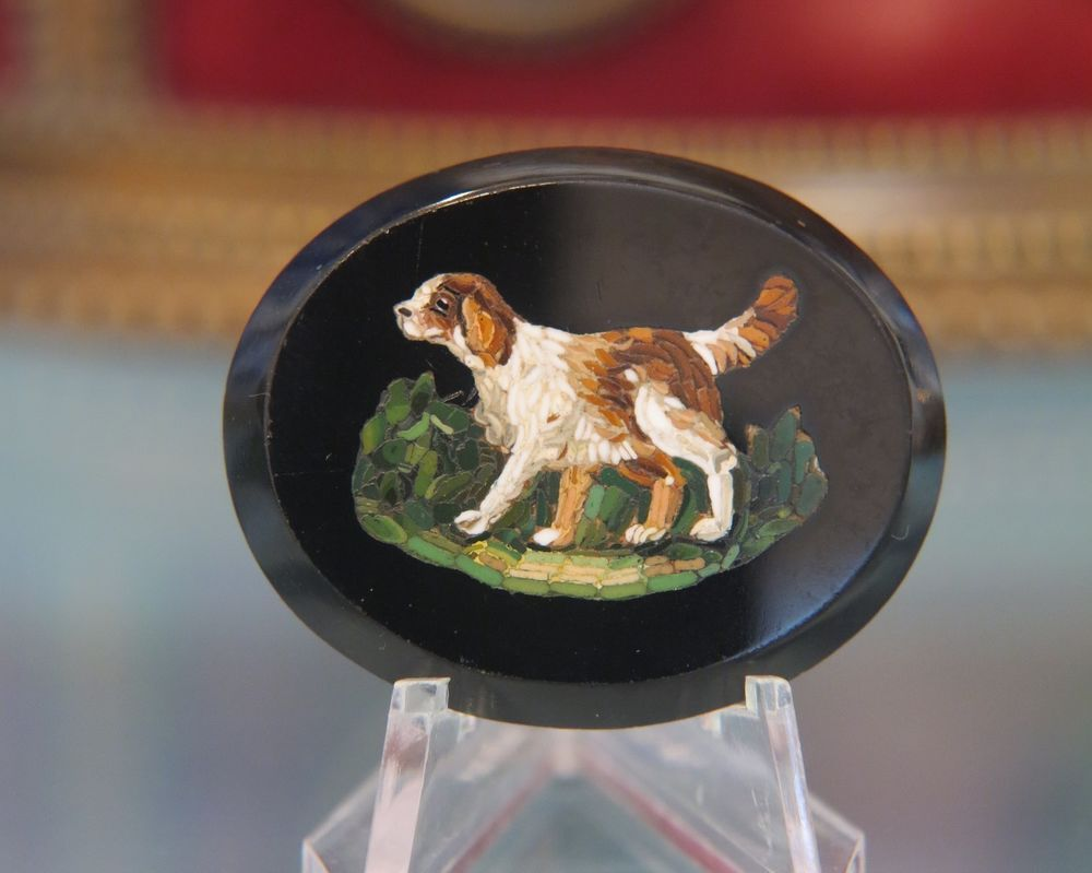 Oval Roman Micro Mosaic plaque depicting a running dog, early 19th century