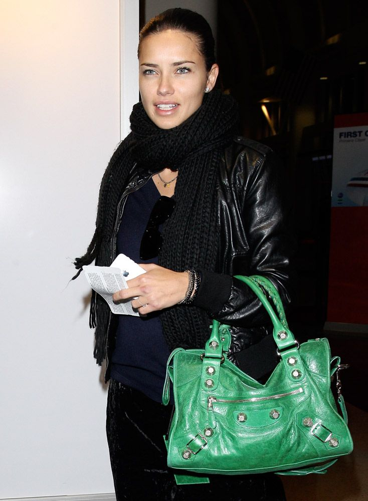 Adriana lima with balenciaga giant city bag celebrity handbags adriana lima with balenciaga giant city bag voltagebd Gallery