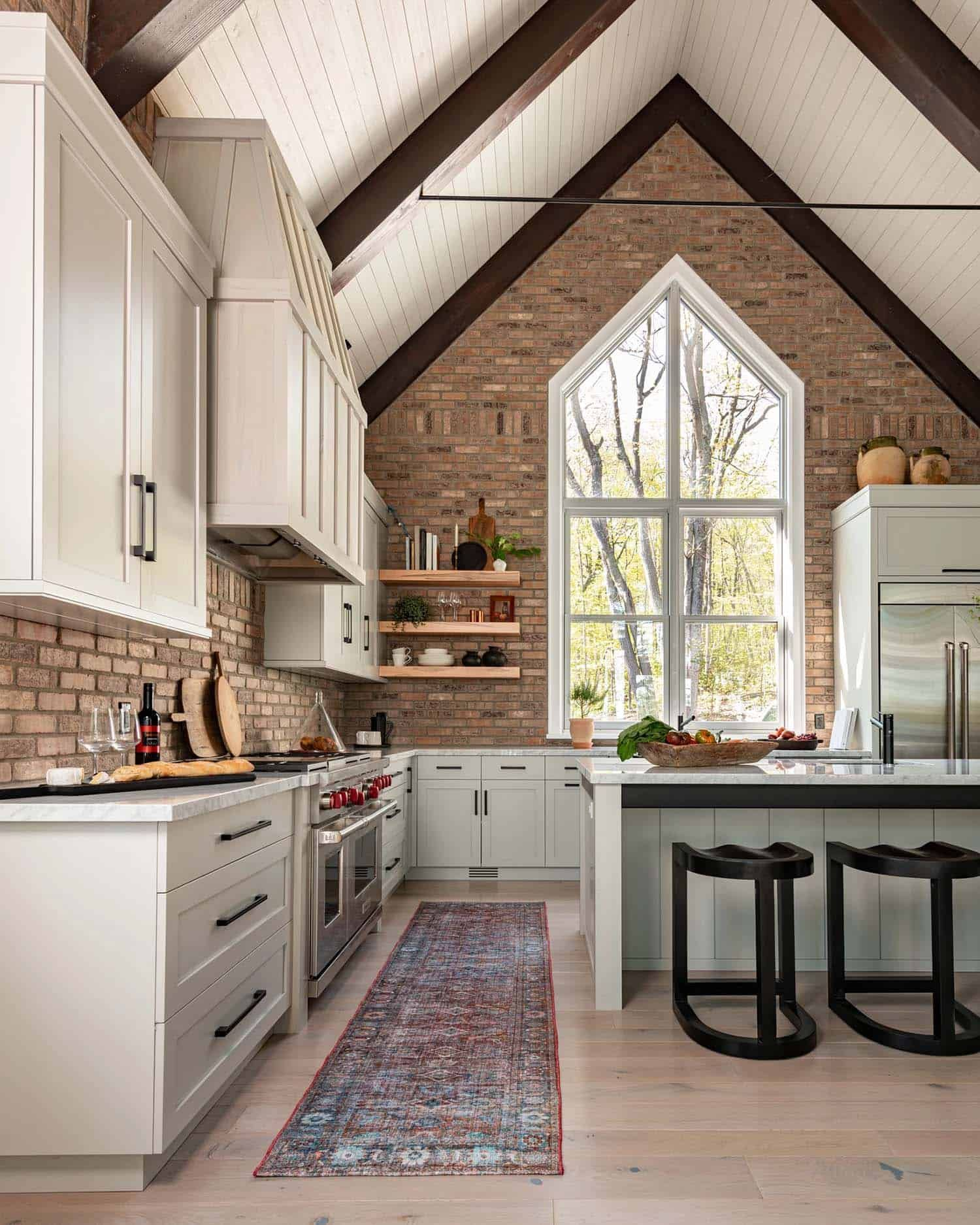 A Dreamy Cottage Nestled On Beautiful Lake Muskoka Canada Open Concept Kitchen Home Kitchen Decor