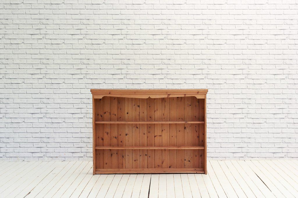 This lovely English pine plate rack is designed to sit on top of a kitchen counter for storage u0026 display of your crockery. & A stripped English Pine plate rack / shelving unit | Shelving ...
