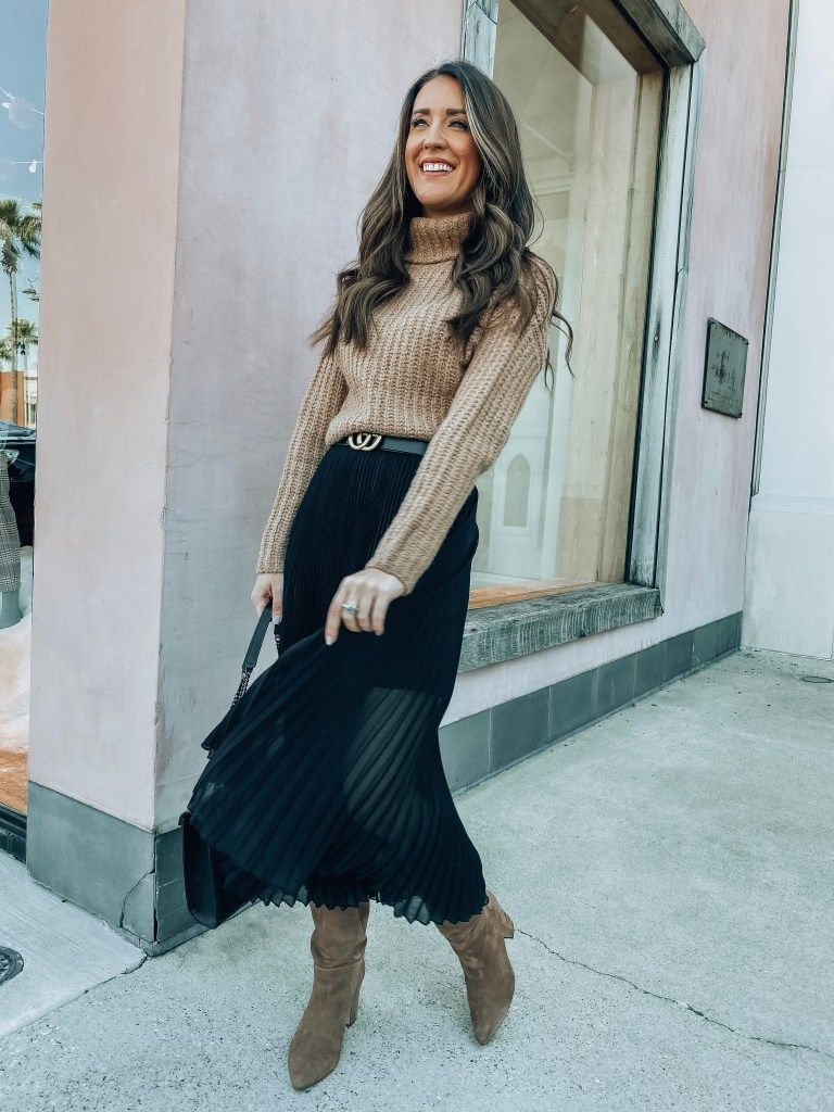 Friendsgiving Outfit Ideas | It's All Chic to Me | Houston Fashion Blogger | Style Blog