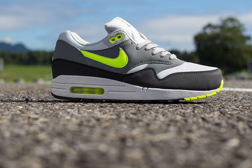nike air max 1 grey volt