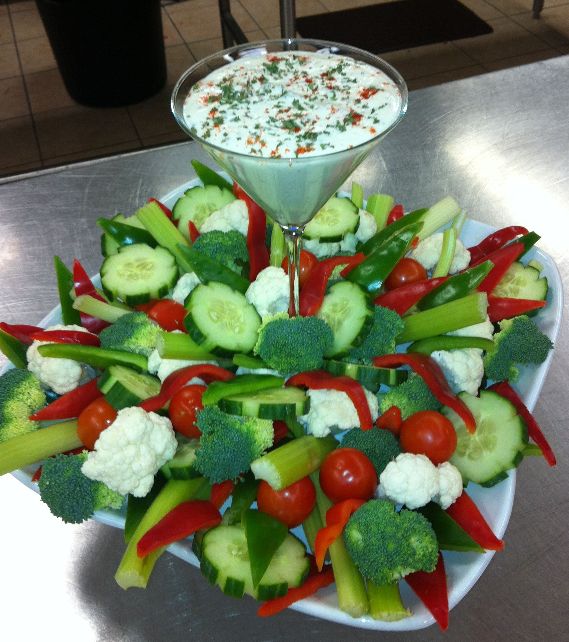 Use red, green, and white veggies for a festive Christmas veggie tray. Cheers!