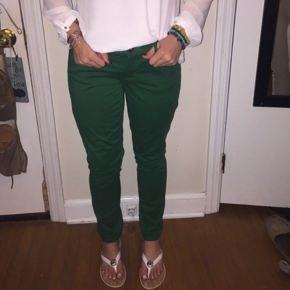 Tommy Hilfiger Jeans! Green Modern skinny tommy Hilfiger Jeans Never worn! Tommy Hilfiger Jeans Skinny