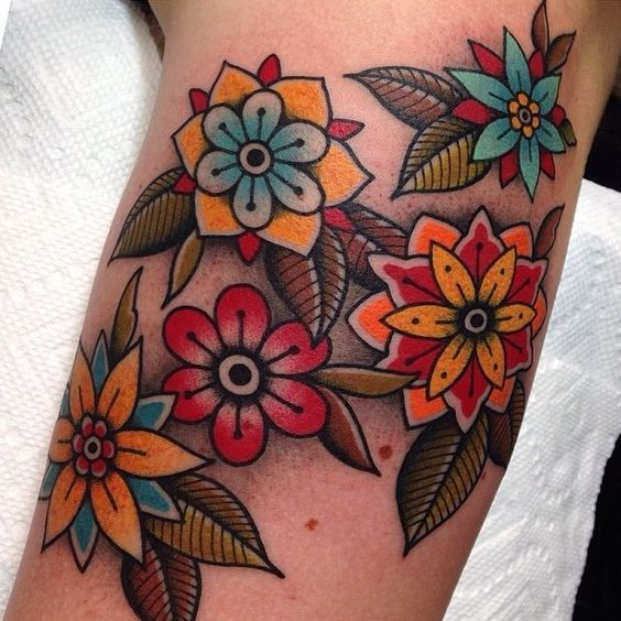 Traditional Flower Tattoos: Traditional Flower Tattoo Design For Girls