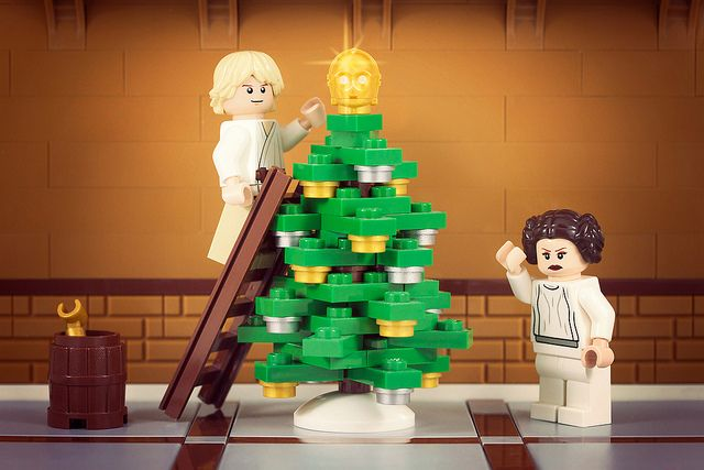 LEGO Christmas at The Skywalkers' #lego #legominifigures #minifigures #legochristmas #christmas #christmastree #lukeskywalker #starwars #legostarwars #toy #toys #kids
