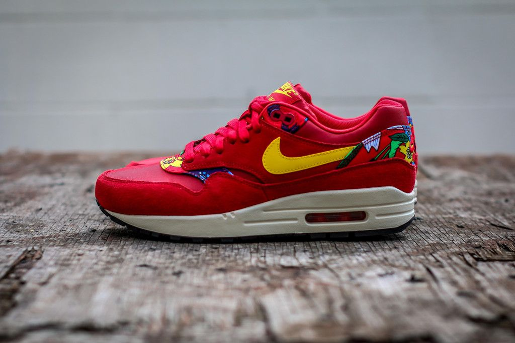 women nike air max 1 print red