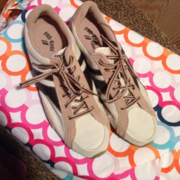 Pro Keds tan and brown tennis shoes Pro-Keds tan and brown tennis shoes  size 8 these are in great used condition... They have been worn Pro-keds Shoes Sneakers