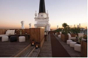 This beautiful roof terrace looks like a fabulous place to savor a drink…****ME Madrid Reina Victoria in Madrid