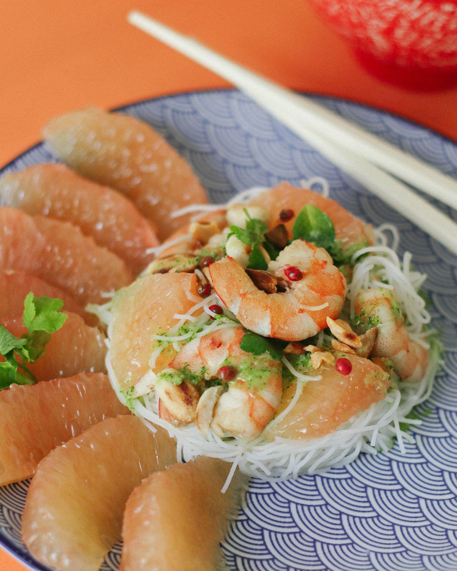 Salade aux crevettes et pomelo avec sa sauce coriandre - Repas pour nouvel an chinois #repasnouvelan