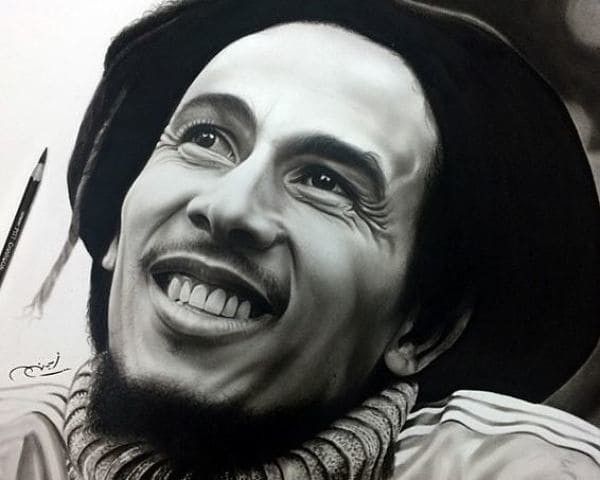 Художник рисует фотографически точные портреты знаменитостей простым карандашом (17фото)