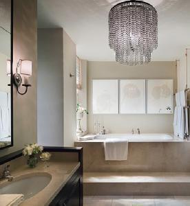 such a luxurious bathroom!