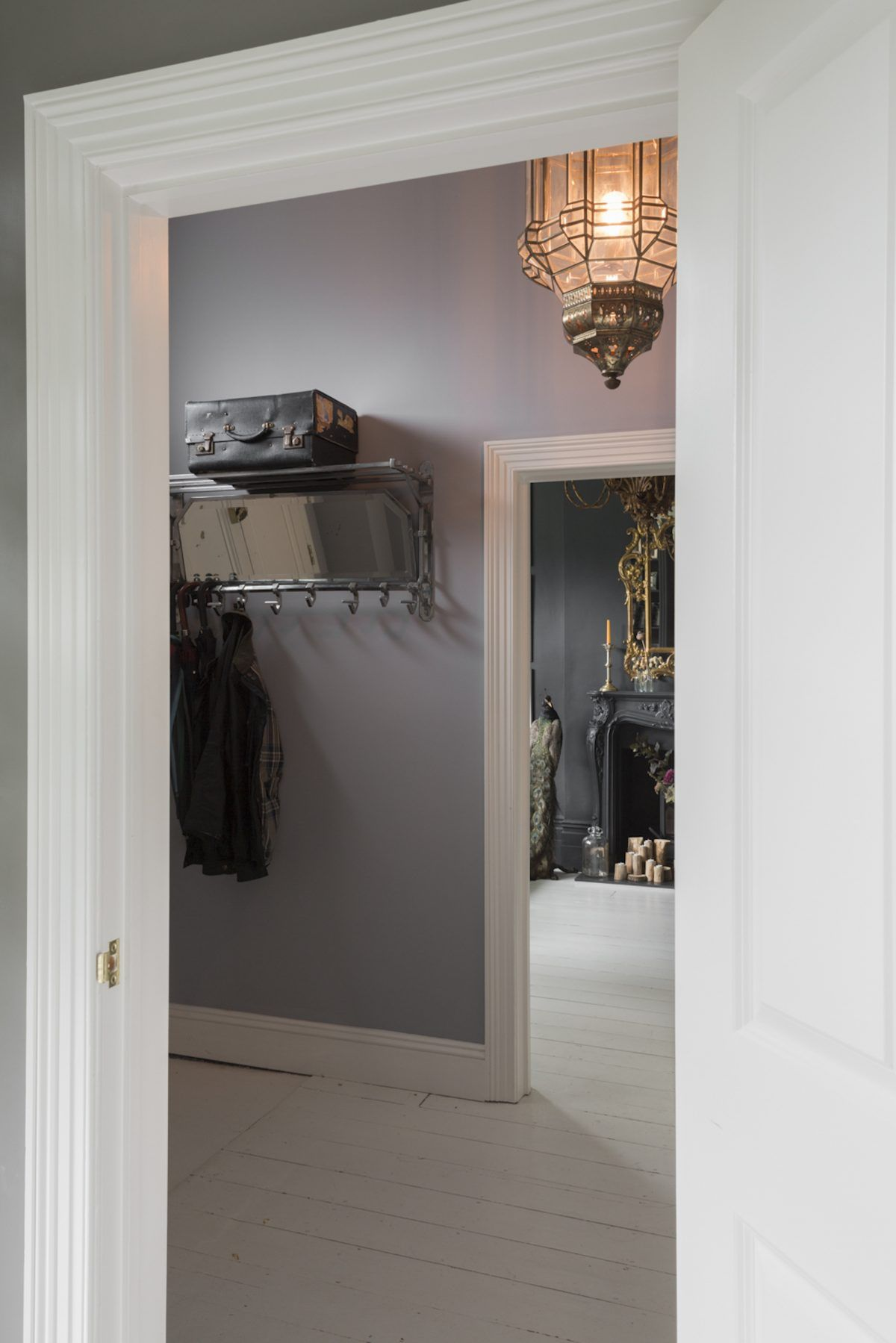 Kempe SW16 - view from hallway to lounge - london houses ...