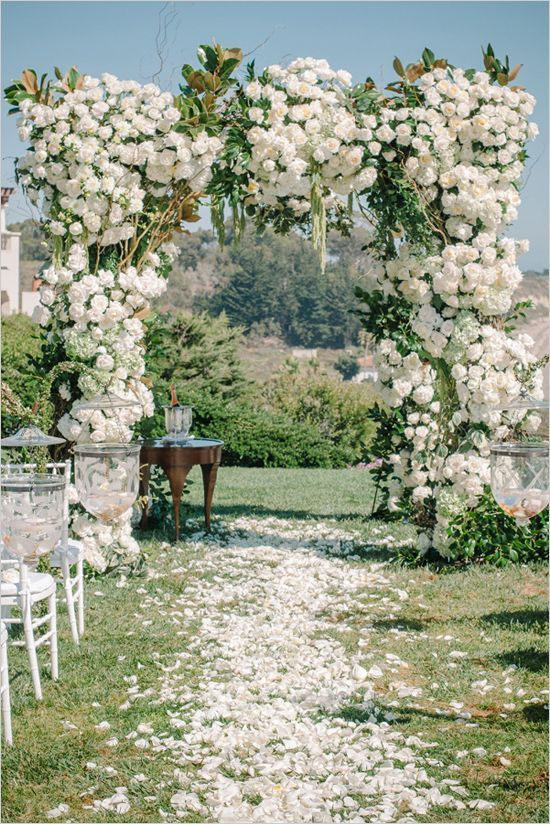 25 Stuning Wedding Arches With Lots Of Flowers